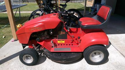 Cox Stockman ride-on lawn mower 32''