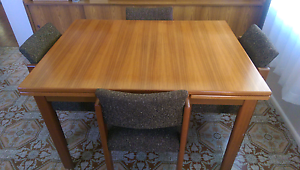 6 Seater Extendable Dining Set Fairfield Fairfield Area Preview
