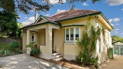 Carlingford rd, Epping house for rent, 3 bedrooms & 2garages Epping Ryde Area Preview