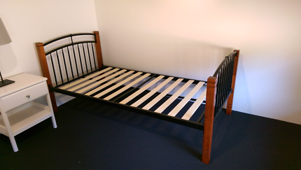 2x Single beds or bunks with mattresses