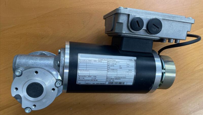 3~Servomotor Motor Synchronmotor Lenze SSN31-1UVCL-056C22 Neu New