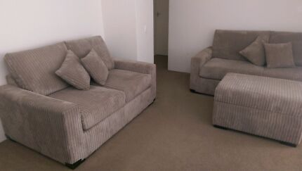 Lounge Suite ~ 2 Lounges & Storage Ottoman ~ Like New Condition Kensington Eastern Suburbs Preview