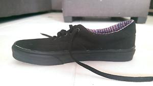 Black Vans Canvas Shoes - Size 9, Never Worn Cornubia Logan Area Preview