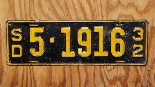 1932 BON HOMME COUNTY SOUTH DAKOTA LICENSE PLATE # 5 - 1916