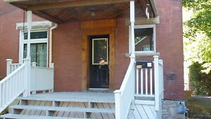 STUDENT HOUSE RENTAL - GUELPH - AVAILABLE  SEPT 2019