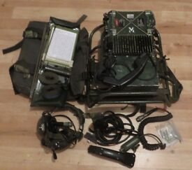 Army radio's Clansman with accessories
