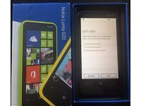 Nokia Lumia 620 - O2 - Boxed with charger