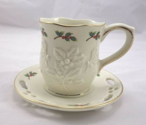 PartyLite P7257 1 Set Holly Leaf Cup and Saucer Holiday