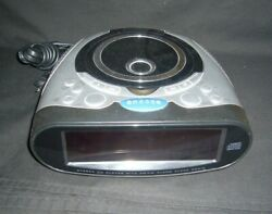 RADIO SHACK STEREO/CD PLAYER W/ AM/FM DUAL ALARM CLOCK RADIO NO.12-1663