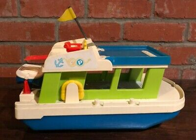 1972 Fisher Price Little People Family Happy House Boat #985