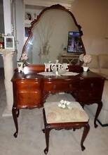 ☆♥ STUNNING MAHOGANY QUEEN ANNE TIMBER DRESSING TABLE ☆♥ Belmont Brisbane South East Preview