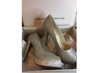 Women's Size 6 Glitter Sparkly Prom/Wedding High Heels