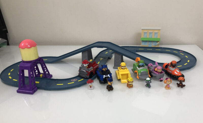 Paw Patrol Roll Patrol Marshall's Town Rescue Track Set W/ Motorized Vehicle Lot