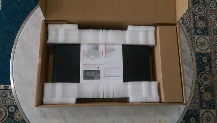 Lenovo Yoga 500-14ACL  2-in-1 Touch screen Laptop-As New
