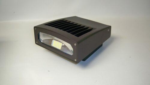 *NEW* Magnalux VPL-WPS-36WAN-50K 36 Watt Adjustable LED Full Cut off Wall Pack