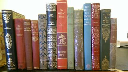 hire vintage books, bag, picnic basket, clock and crates Reynella Morphett Vale Area Preview