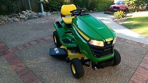 JOHN DEERE X300 RIDE ON LAWNMOWER MOWER TRACTOR - 18.5HP KAWASAKI Mount Colah Hornsby Area Preview