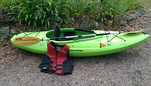Kayak and Paddle and Life Jacket Batemans Bay Eurobodalla Area Preview