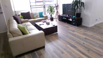 New building! Sunny & Bright room! Close to Green Square station!