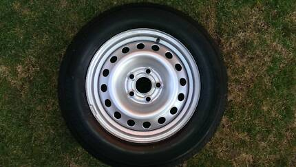 """Secondhand 16"""" VE Commodore Wheels South Tamworth Tamworth City Preview"""