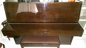 LISNER Upright Piano     PRICE REDUCED Salisbury Park Salisbury Area Preview