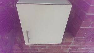 kitchen / Laundry Cupboard Wollongong Pick up Cordeaux Heights Wollongong Area Preview