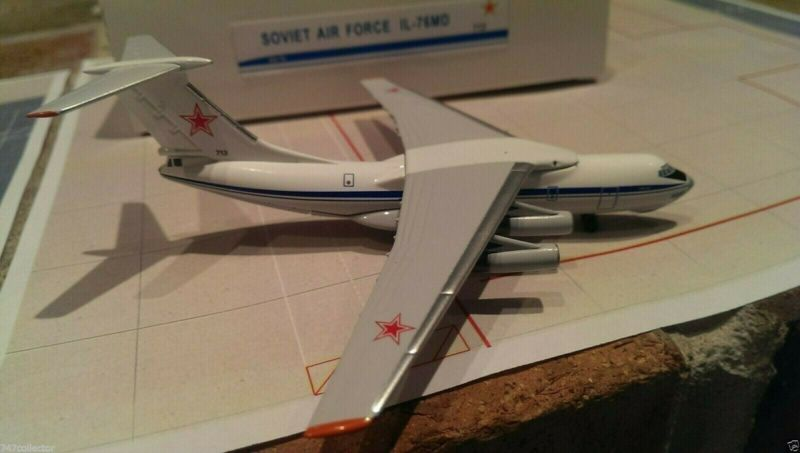 Aeroclassics Soviet Air Force IL-76MD 1:400 AC713 1980s Colors Black 713