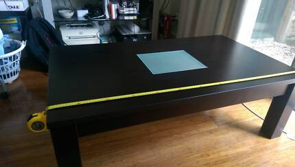 Selling indoor furniture : coffee table
