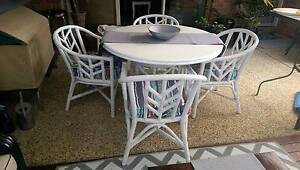 WHITE TABLE & CHAIRS Upper Coomera Gold Coast North Preview
