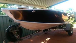Alloy tinnie 4.6M with yamaha 50hp 2004 Kuraby Brisbane South West Preview