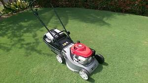 VICTA MUSTANG PUSH LAWNMOWER - HONDA GCV160 MOTOR ALLOY MOWER Mount Colah Hornsby Area Preview