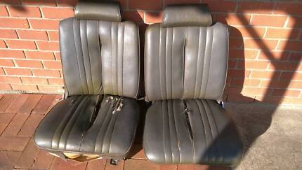 CHRYSLER VG VALIANT BUCKET SEATS