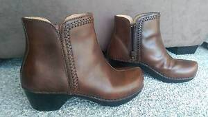 Brown leather boots Leumeah Campbelltown Area Preview