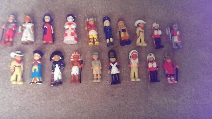 Mondotime Dolls