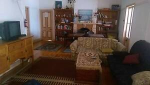 Single and Double Rooms (Couples) Available East Brisbane Brisbane South East Preview