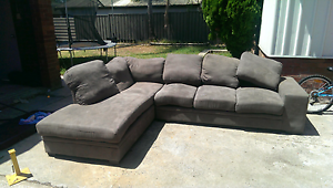 Lounge -free to good home Quakers Hill Blacktown Area Preview