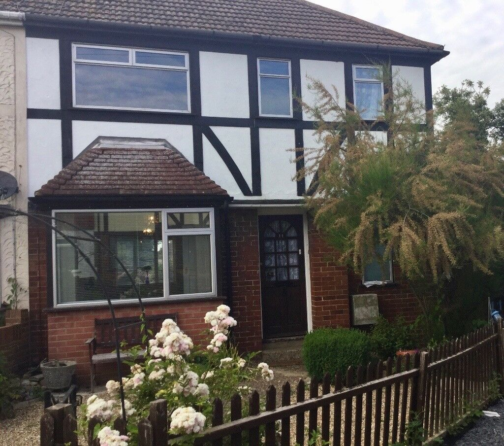 Semi Detached 3 Bedroom House to Let in Strood Available now