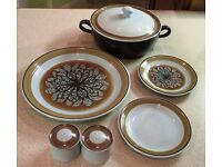FRANCISCAN POTTERY - DINNERWARE