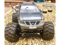2x 1/5 scale rc cars