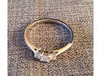 THREE DIAMOND ,PRINCESS CUT DIAMOND PLATINUM RING, SIZE V
