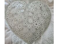 Pretty heart metal wall hanging decoration