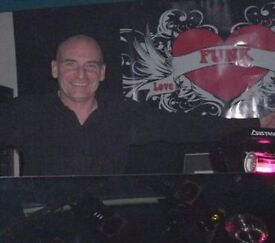 MUSICOLOGY Quality Dj/Mobile Disco hire. Prices & Website here!