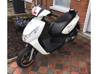 Peougot kisbee 50 R Year: 2016 Mot : just over 2 years left Runs and drive well