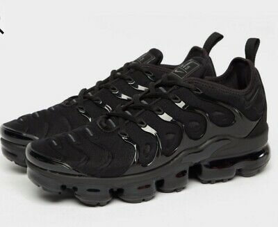 NIKE AIR VAPORMAX PLUS BLACK UK SIZE 9 BRAND NEW £170RRP