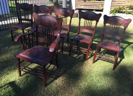 Antique 1900u0027s American Oak Spindle Back Chairs Part 43