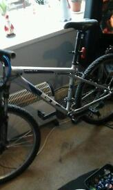 Mens GT avalanche 3.0 mountain bike