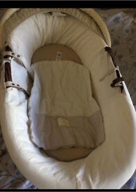 *FREE ITEM IN THIS POST* Baby cot+free baby car seat** Both mint condition*