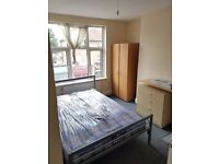 Bedsit with kitchenette available on Eltham High Street