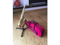 """Saxophone """"Alto"""" Prelude Conn-Selmer & Gator Case"""