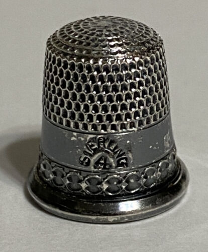 Unknown Maker Antique Sterling Silver Two Band Thimble w/ Chain Link Decoration